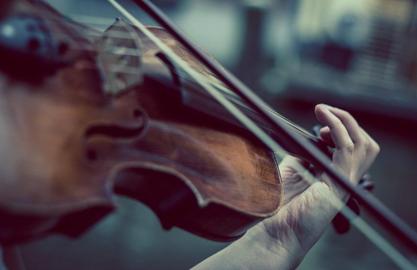 Suggestioni seicentesche: un organista e un violinista all'opera