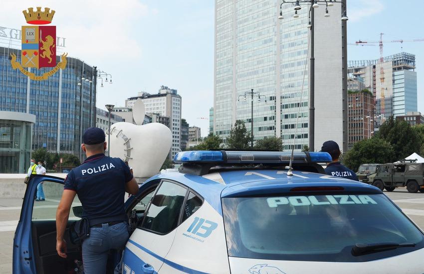 Milano, Stazione Centrale, 32enne senegalese tenta di derubare un tassista mentre scaricava i bagagli, arrestato
