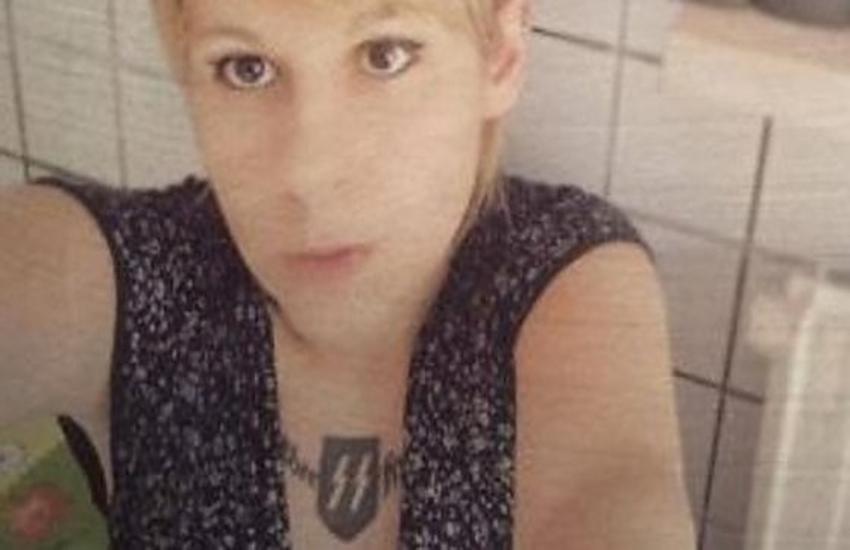 Valenza scandalo sulle elezioni, si autosospende la candidata con il tatuaggio delle SS naziste sul collo