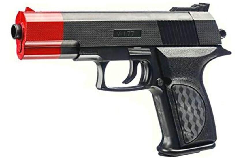 Colleferro, 19enne egiziano minaccia con una pistola giocattolo un viaggiatore sul treno, denunciato