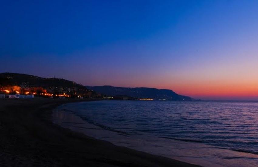 Loano: letture ad alta voce, musica dal vivo e il sorgere del sole in riva al mare il 16 e 23 agosto