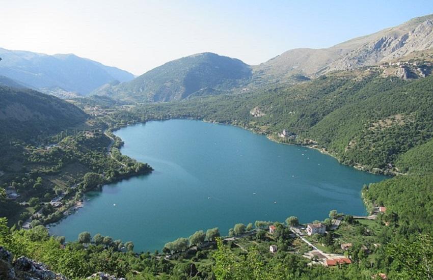Lago di Scanno: donna scivola e si frattura una caviglia