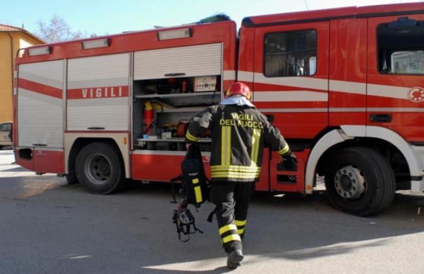Incendio a Montemazzano: il video dei Vigili del fuoco