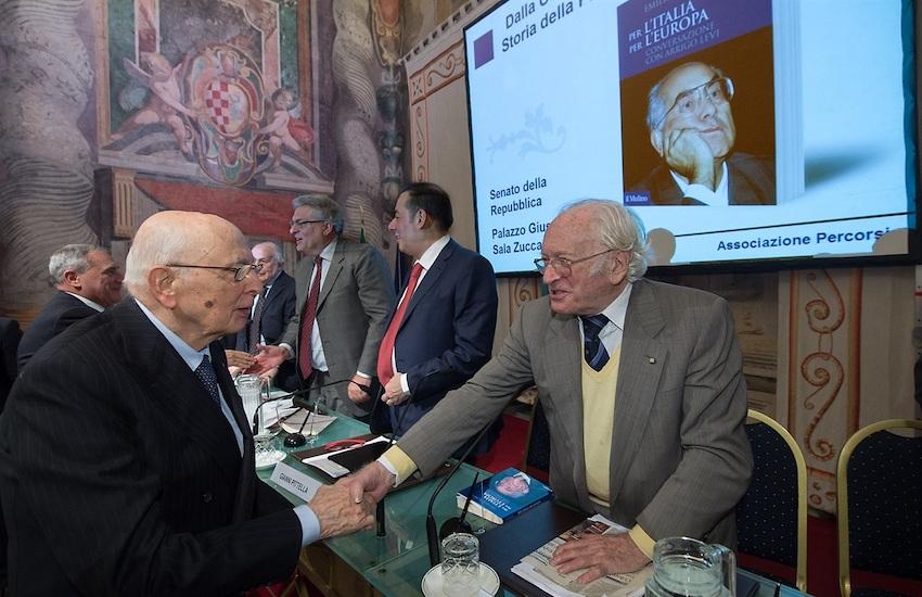 E' morto Arrigo Levi, aveva 94 anni. È stato per 5 anni direttore de La Stampa