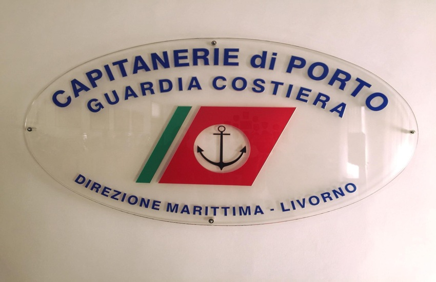 Capraia – si rovescia l'imbarcazione, salvati i cinque occupanti