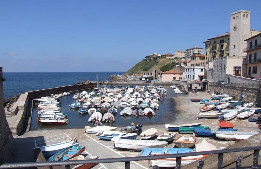 Scogliera del porticciolo di Marina: 210mila euro per il ripristino
