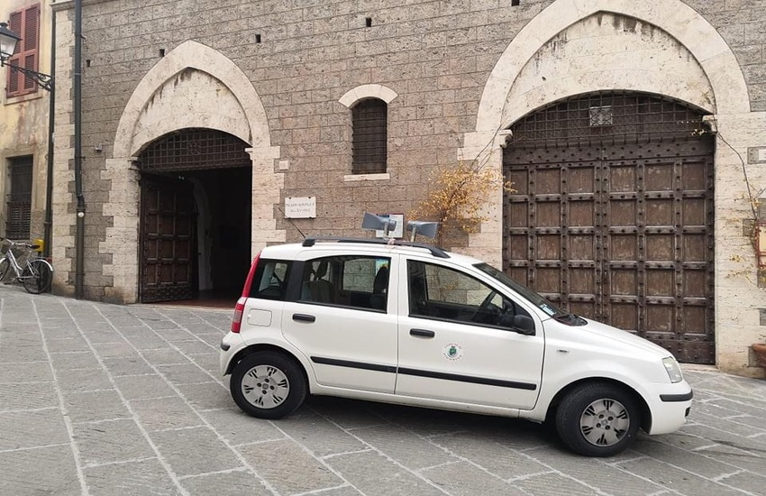 """Gruppi consiliari: """" Il sindaco ex civico di Piombino riceverà giovedì Salvini e Ceccardi nel Palazzo Comunale"""