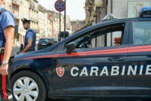 Padova, maldestro rapinatore si fa bloccare dalle vittime: arrestato