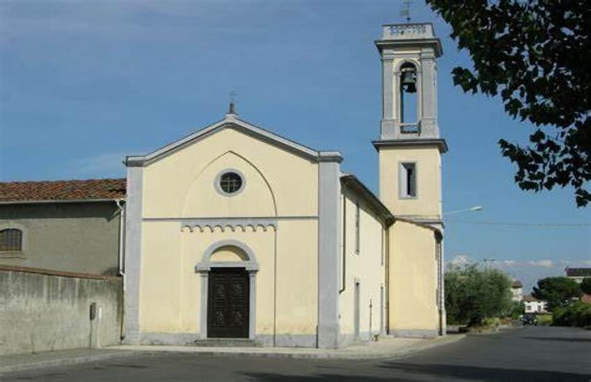 Valigetta sospetta alla chiesa di Grignano è stata fatta esplodere dagli artificieri