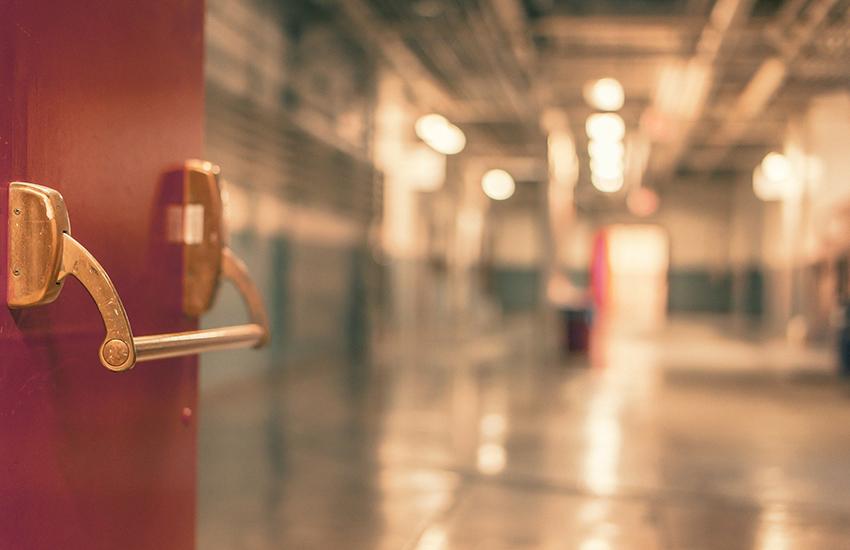 All'ospedale Frangipane muore un 54enne di Vibonati. Era in terapia intensiva Covid