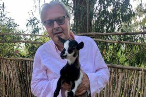 """Sgarbi, sindaco in direzione contraria: a Sutri multe a """"chi porta la mascherina senza che sia necessario"""""""