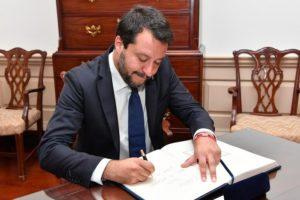 Open Arms: rinvio a giudizio per Salvini