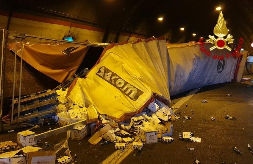 Incidente stradale nella galleria San Demetrio