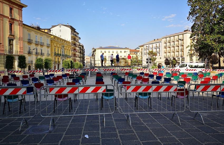 Avellino – La curia celebra la messa dell'Assunta, palco in piazza Libertà con 180 sedute per il distanziamento sociale