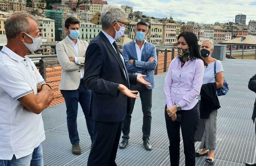 """Genova, Azzolina oggi in città: """"dal 1 settembre in classe"""""""