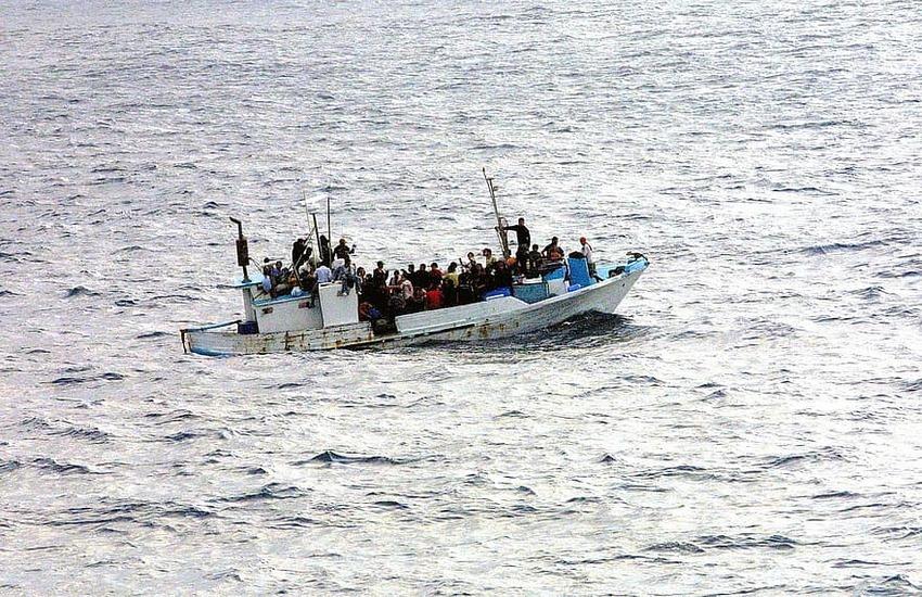 Lampedusa – 13 sbarchi nella notte