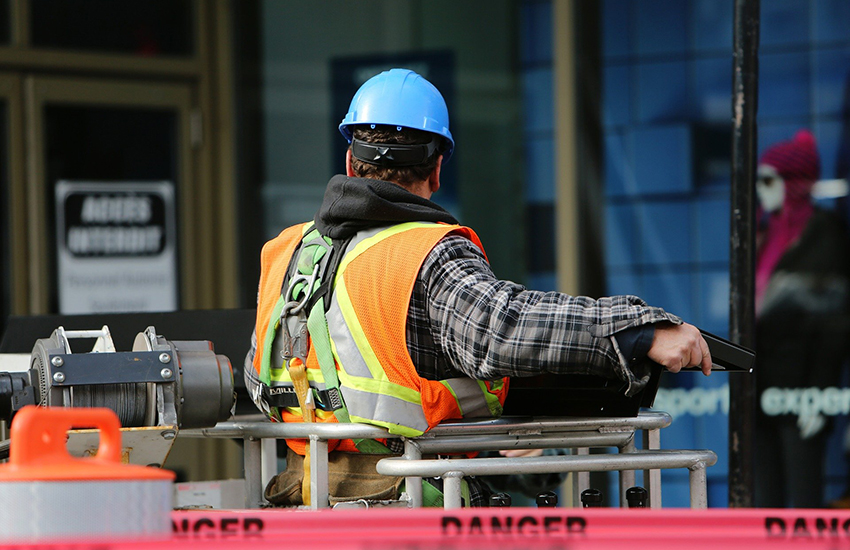 Cantieri regionali di lavoro, ecco le modalità per l'iscrizione: requisiti e dove inviare la domanda