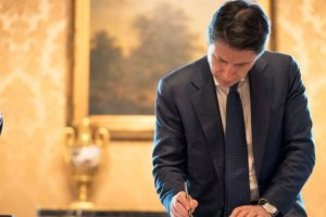 """Governo, si va alla conta. Appello ai """"costruttori"""" dopo la crisi innescata da Renzi"""
