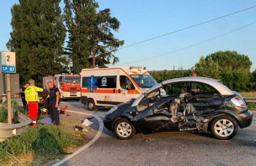 Vigodarzere, scontro frontale tra due auto: un ferito grave elitasportato in ospedale