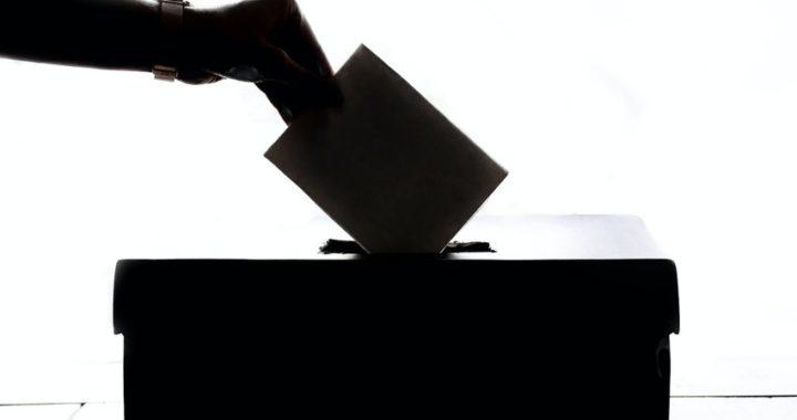 Referendum con percorso ad ostacoli per anziani