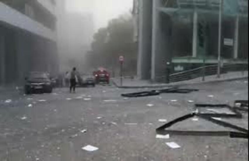 Beirut, le autorità: lasciate il paese, aria irrespirabile. Trump: forse un attentato