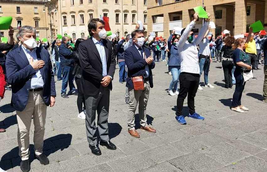 Regionali, Fitto in piazza a Lecce per presentare i candidati della sua lista