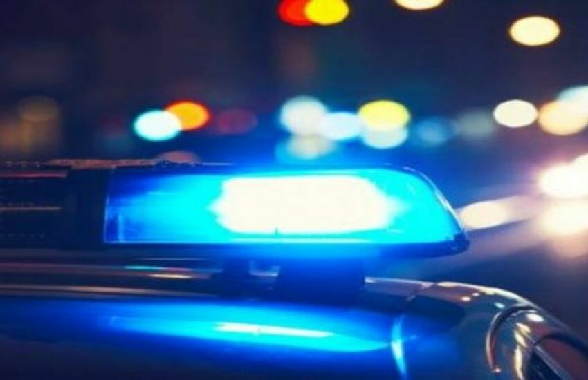 San Giovanni, ha un incidente stradale mentre porta il latte al figlio ricoverato in terapia intensiva neonatale. La Polizia di Stato lo soccorre e lo trasporta in ospedale.