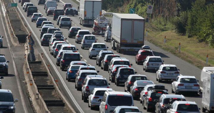 Genova, caos autostrade, la regione chiede un commissario per l'emergenza