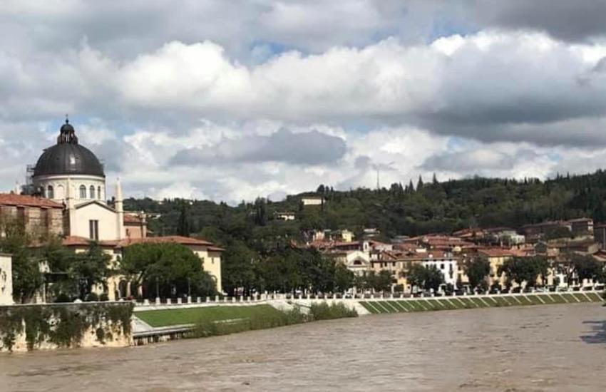 Adige in piena a Verona, chiuse le alzaie di lungadige Attiraglio