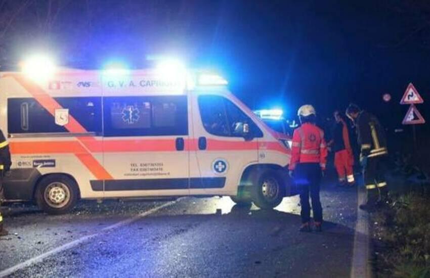 Travolto da un'auto, 44enne in pronto soccorso