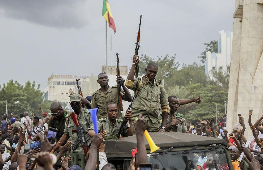 Golpe in Mali. Sciolti Governo e Parlamento, arrestati Presidente e Premier