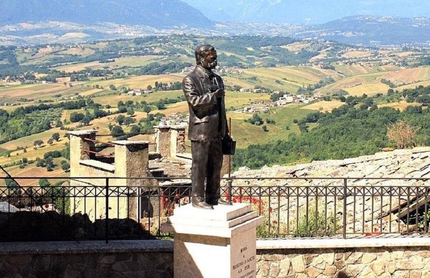 Il governatore De Luca cittadino onorario di Morra de Sanctis esalta il pensiero del grande critico letterario