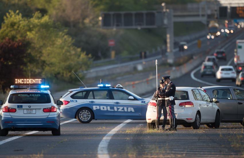 Frosinone, a zig zag col camion in autostrada: tragedia sfiorata