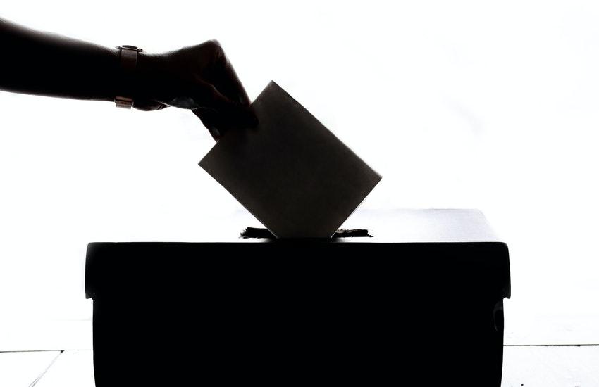 Ultimo Exit-Poll, De Luca al 64,9%, Caldoro 20,2% e Ciarambino al 9,9%