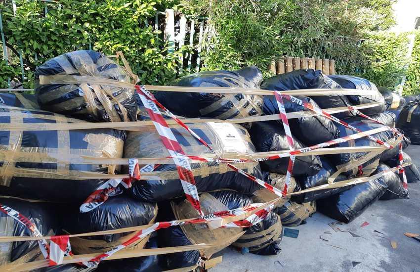 Scatta la denuncia per H.J beccato  di nuovo a smaltire illecitamente 2500 KG di rifiuti tessili