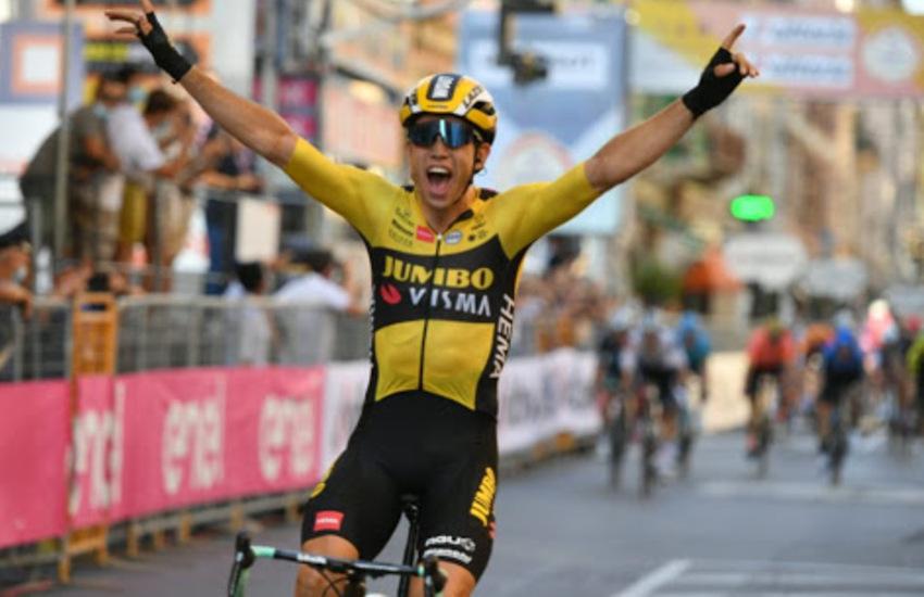 Ciclismo: Wout Van Aert vince la Milano-Sanremo