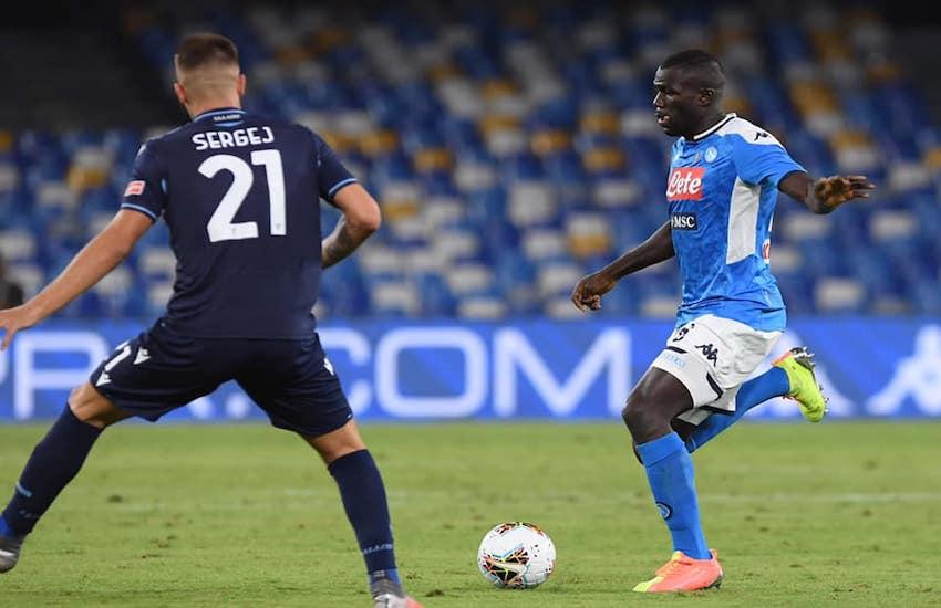 Ore decisive per il trasferimento di Koulibaly al Manchester. Verso l'intesa con la Roma: Milik-Under