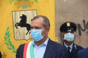 """De Magistris attacca De Luca: """"Si è vaccinato? Un indegno abuso di potere"""""""