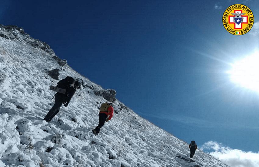 Castel del Monte: la prima neve causa un incidente