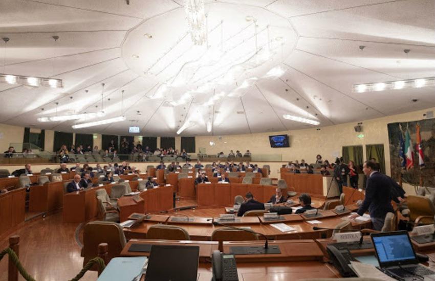 In Consiglio regionale la commissione d'inchiesta sul Covid salta per le norme anti Covid