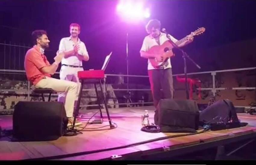 """Trio Rondelli-Biffoni -Ciolini senza mascherine, protesta di FdI: """"Il sindaco chieda scusa a tutta la città"""""""