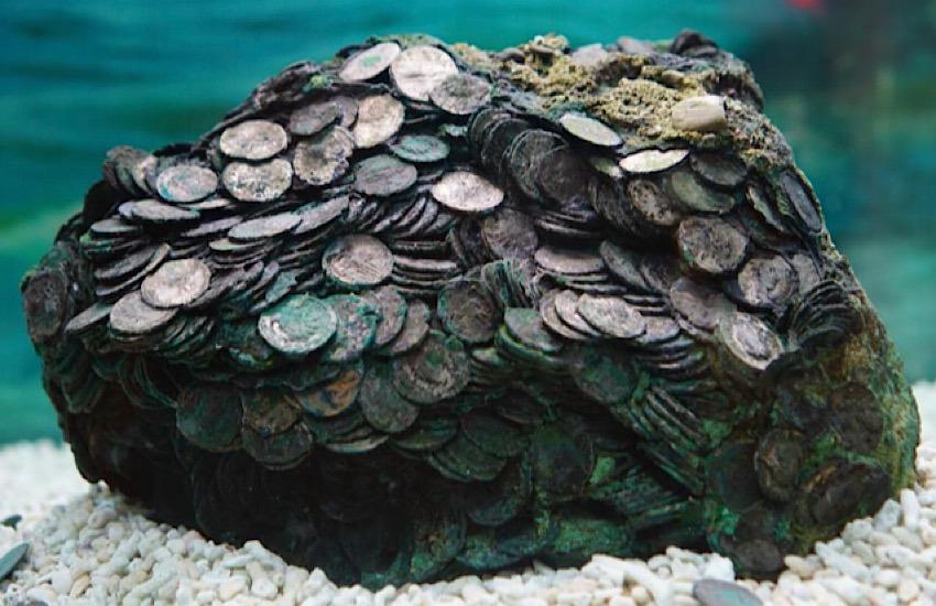 Chiude la mostra Thalassa al Museo Archeologico Nazionale di Napoli: rientra al Museo archeologico di Piombino il Tesoretto di Rimigliano