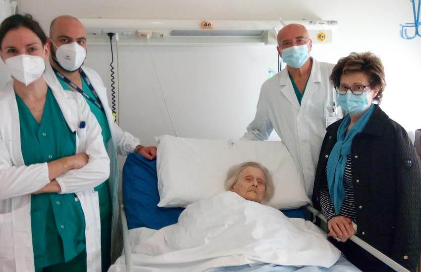 Conegliano, centenaria operata con successo
