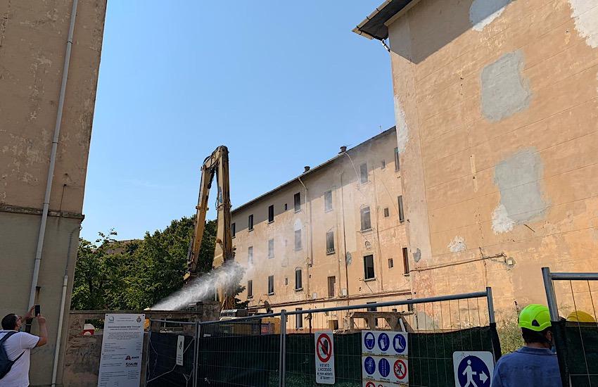"""Iniziata la demolizione della """"Chiccaia"""""""
