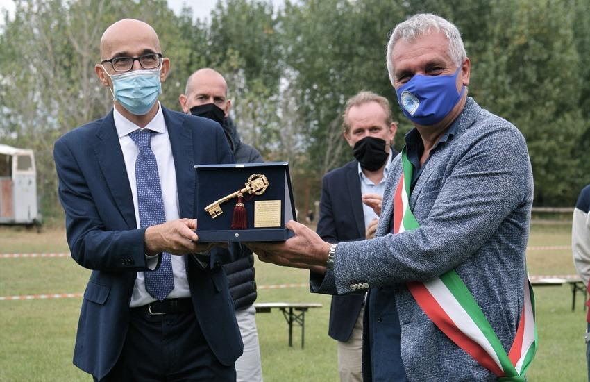 """Legnago: chiavi della città all'ospedale Mater Salutis. Girardi: """"Presto un presidio tamponi in tutti i Comuni""""."""