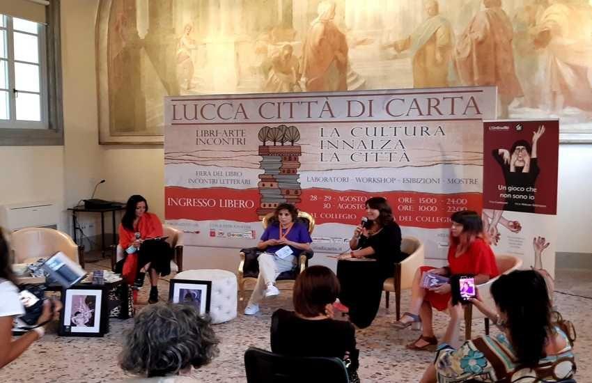 """Successo di pubblico e critica per  """"Lucca città di carta"""""""