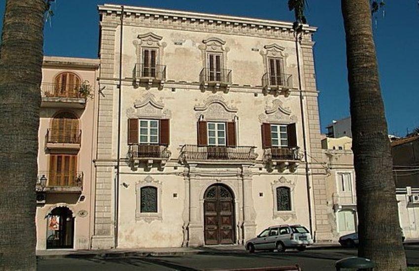 Il sindaco Midili ufficializza la Giunta di Milazzo