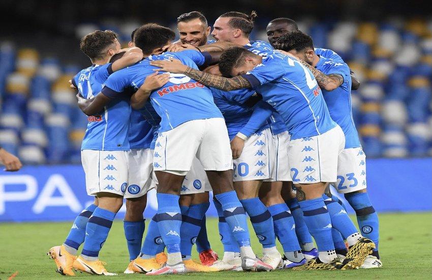 Napoli-Genoa 6-0, una valanga azzurra di gol. Il 4-2-3-1 funziona