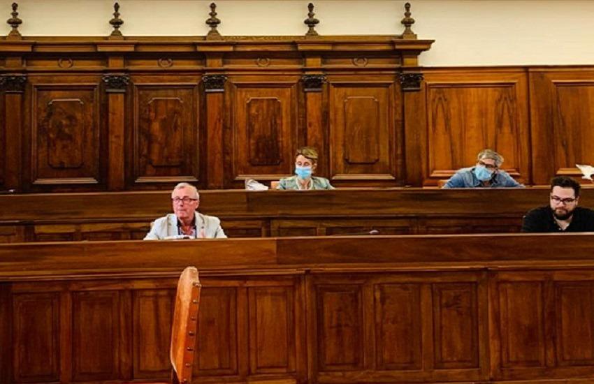 La crisi vera o finta: approdi in Consiglio comunale