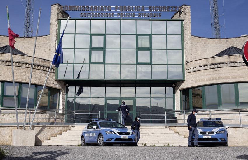 Aggredisce la madre e gli agenti che la soccorrono con una bottiglia rotta: arresto 33enne parmigiano